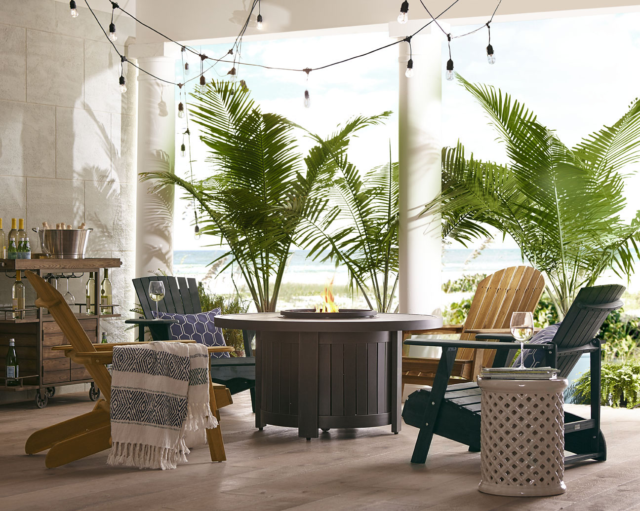 outdoor-patio-fire-pit-chairs-ferns