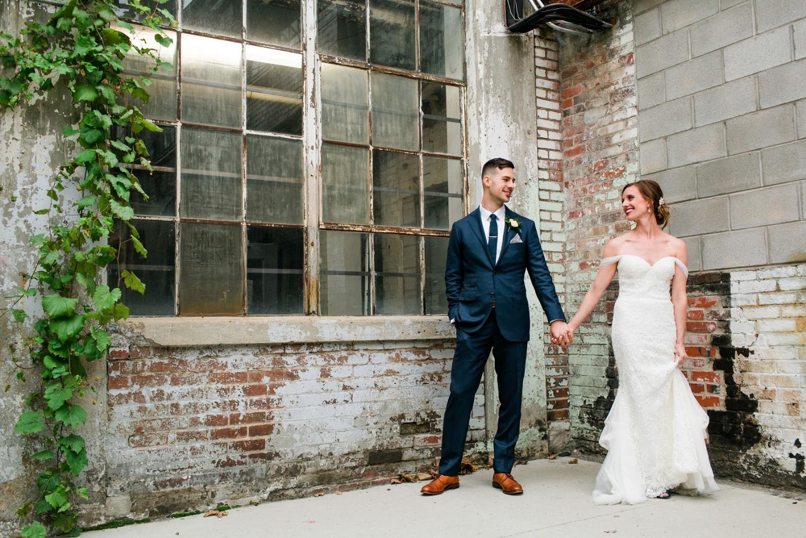 vince-leigh-wedding-outdoor-glass-brick-cement