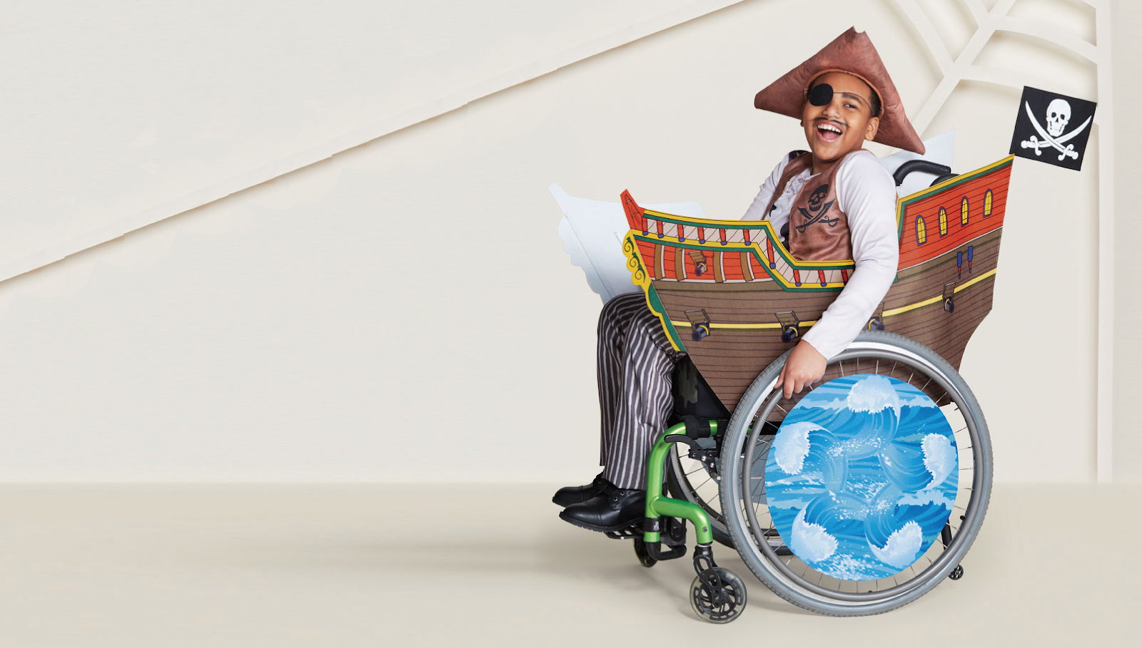 boy-in-wheelchair-dressed-as-pirate