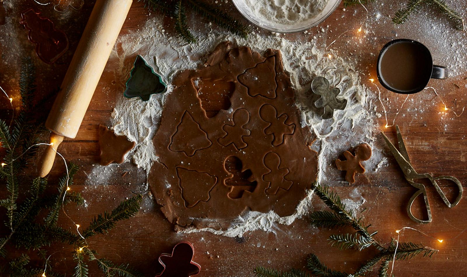 gingerbread-dough-cookie-cutter-flour